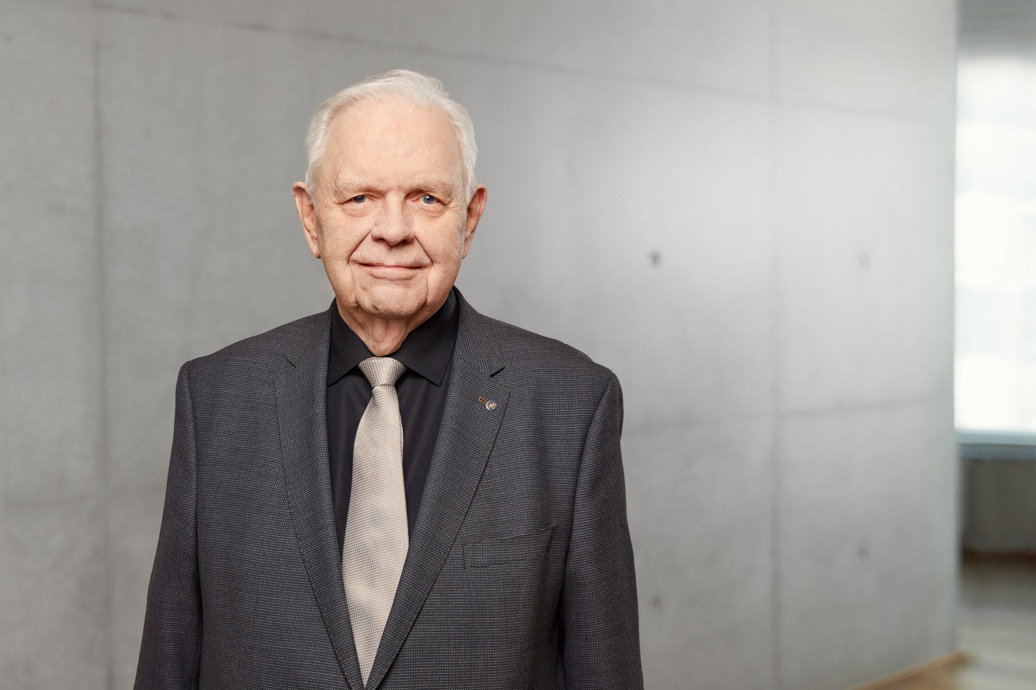 Jónas Aðalsteinsson